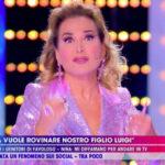 """Nina Moric, forfait a Live. D'Urso sbotta: """"Lei non conosce il rispetto"""""""