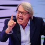 """Barbara D'Urso denunciata? Vittorio Sgarbi: """"Ti porto in tribunale"""""""