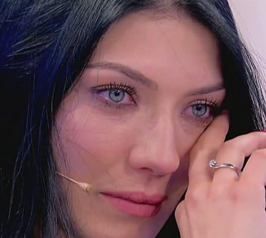 foto Giovanna Abate in lacrime