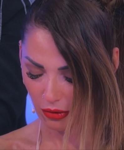 foto Ida Platano in lacrime a Uomini e Donne