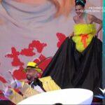 Detto Fatto: Jonathan cade dopo una gag con Bianca Guaccero (FOTO)