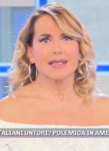 foto barbara d'urso contro tv francese