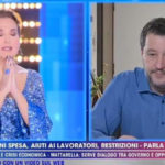 """Live, Barbara D'Urso prega l'Eterno Riposo: """"Non mi vergogno"""" (VIDEO)"""