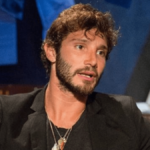 """Stefano De Martino, nessun flirt con Emma. Staff: """"Costretto a chiarire"""""""