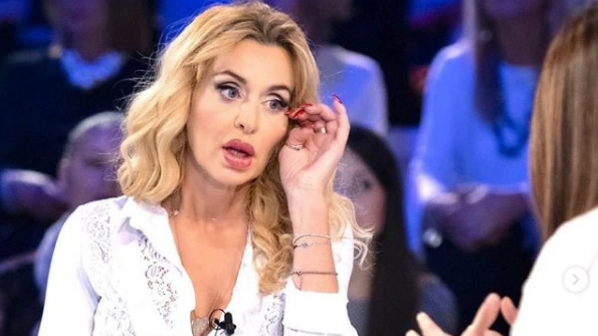 foto Valeria Marini contro gf vip televoto