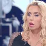 "Valeria Marini attaccata ancora da Antonella Elia al GF Vip: ""Guastafeste"""