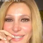 """Adriana Volpe: """"Spero nel vostro supporto"""" e scoppia in lacrime"""