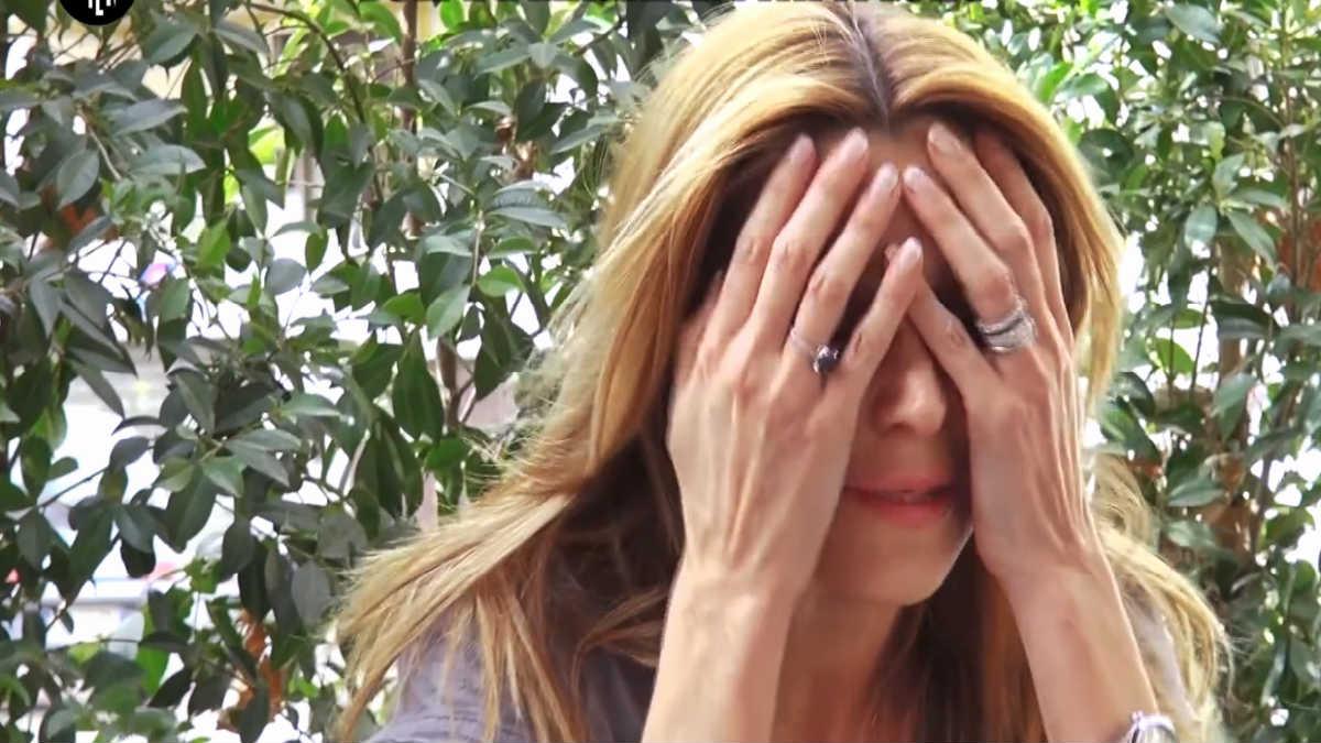 foto Adriana Volpe piange grande fratello vip