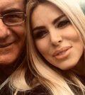 foto al bano Loredana Lecciso di nuovo insieme