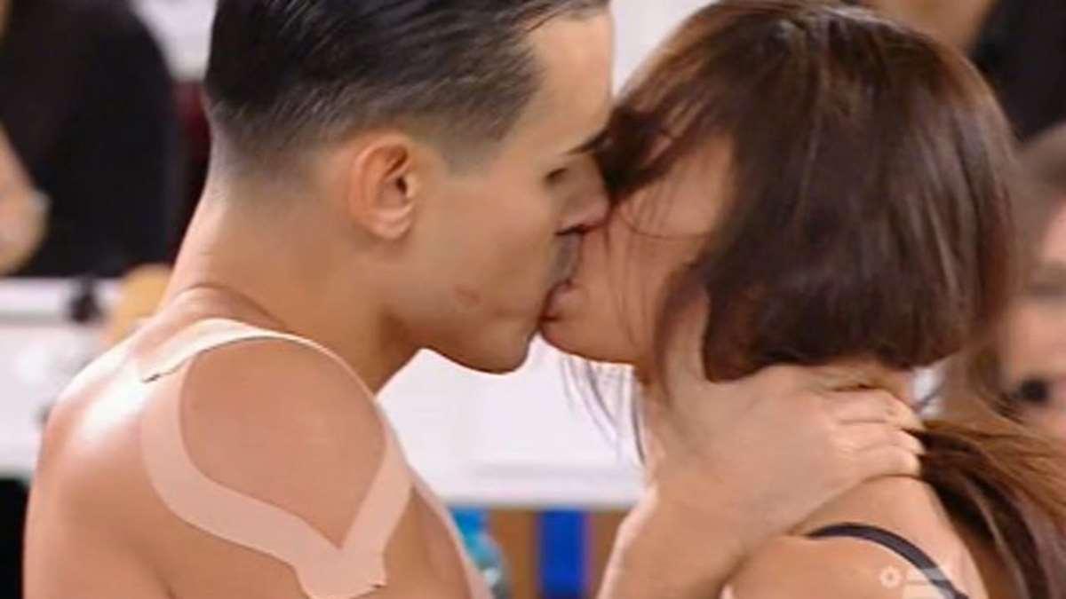foto bacio tra Francesca Tocca e Valentin Alexandru