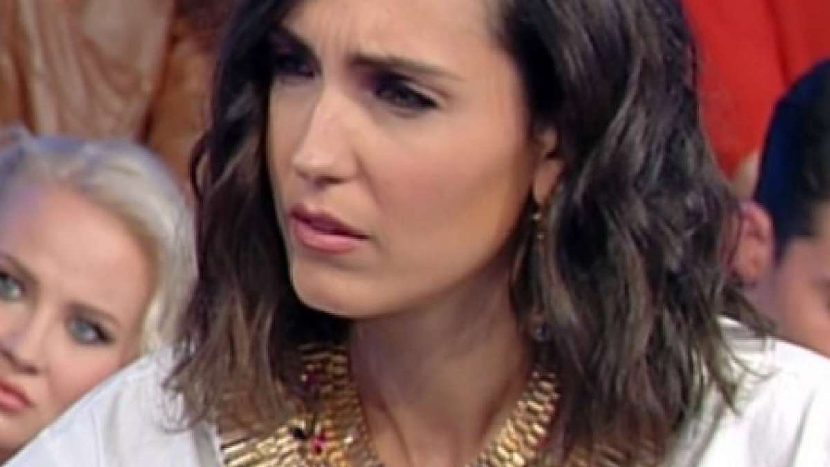 foto Caterina Balivo arrabbiata