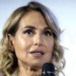 """Barbara D'Urso, la difesa di Vittorio Feltri: """"La petizione è una maialata"""""""