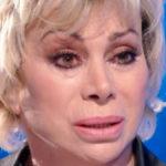 """Carmen Russo lancia un drammatico appello: """"Non lasciateli morire"""""""