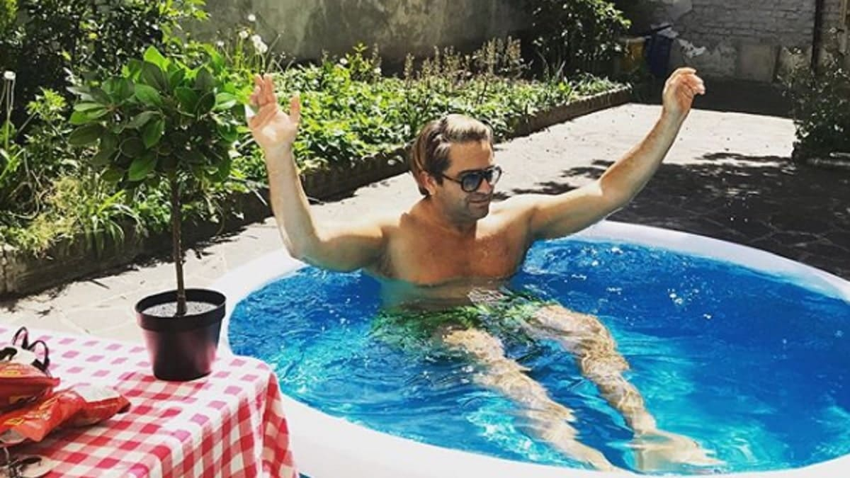foto di Patrick Pugliese in piscina