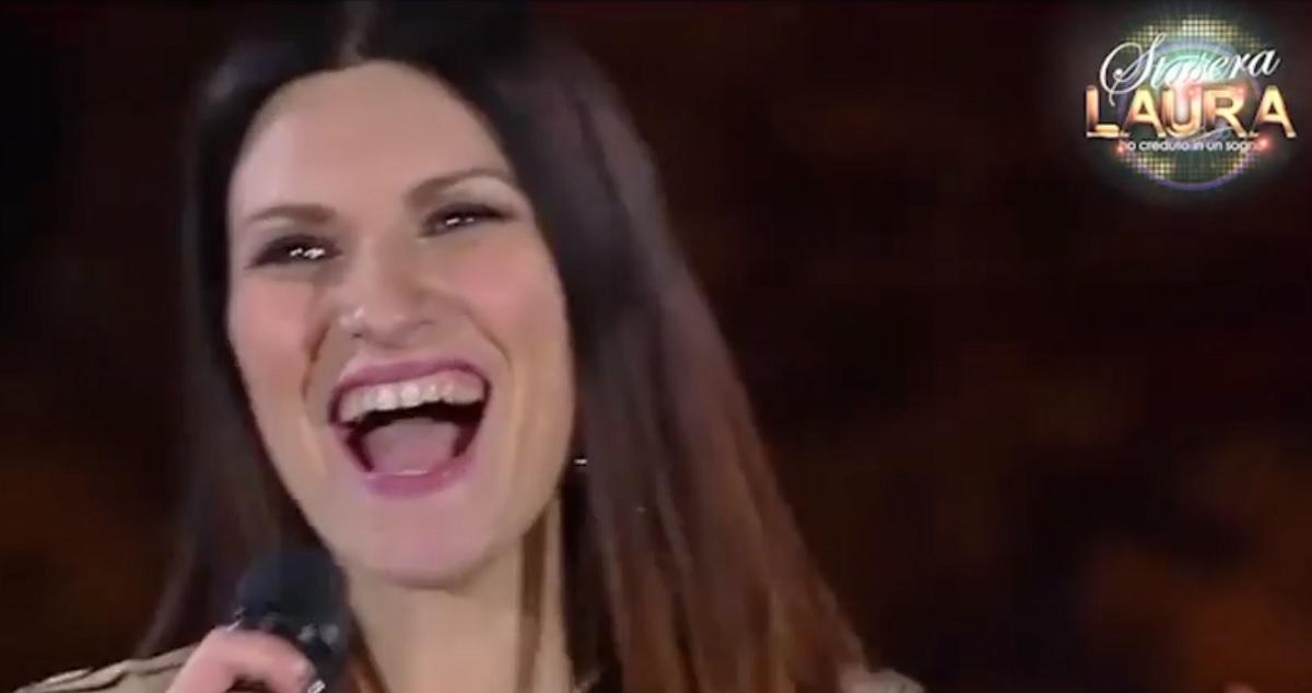foto di Laura Pausini a Stasera Laura