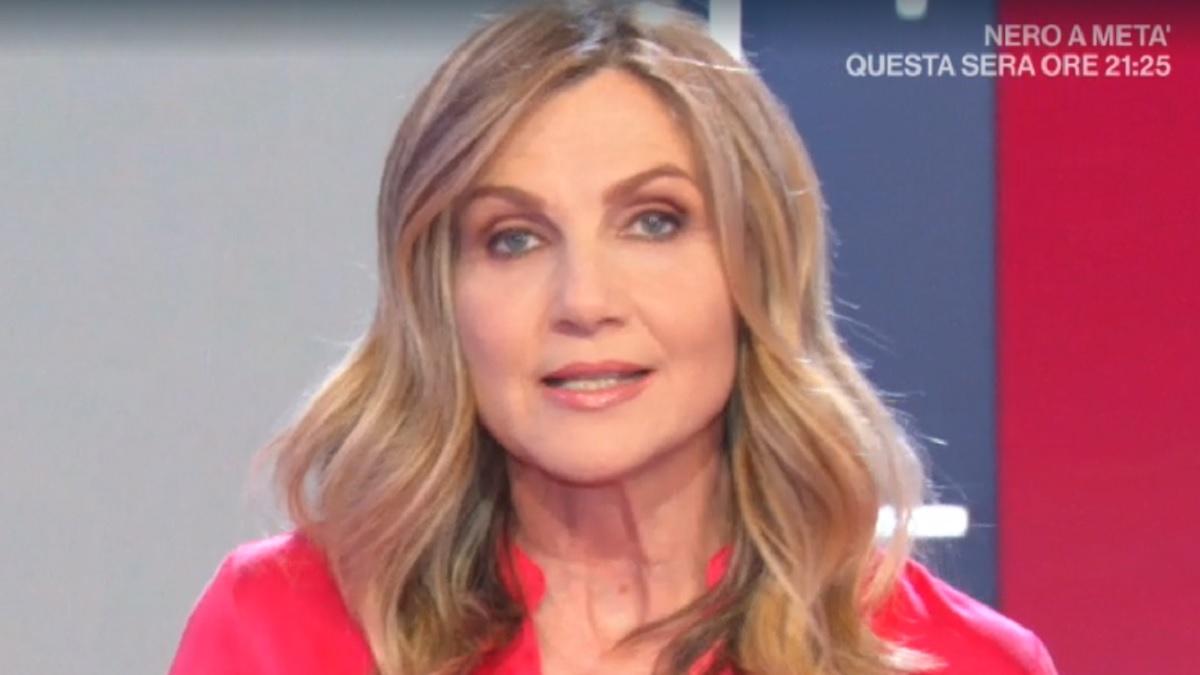 foto di Lorella Cuccarini a La vita in diretta del 27 maggio 2020