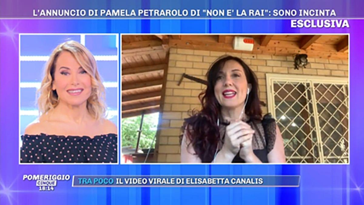 Pamela Petrarolo aspetta il terzo figlio a 43 anni foto