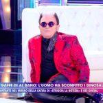 Cristiano Malgioglio cade a Live Non è la D'Urso. Barbara fa una rivelazione
