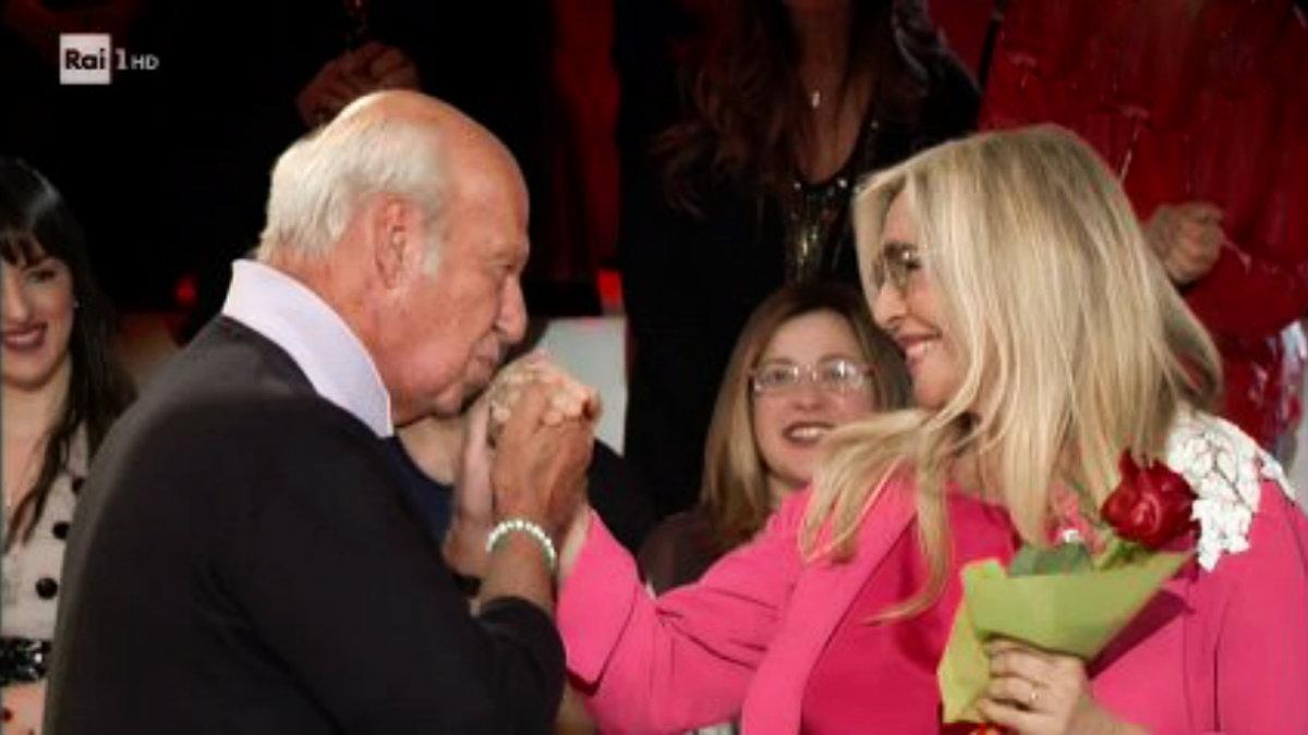 foto Mara Venier si sposa di nuovo marito Nicola Carraro