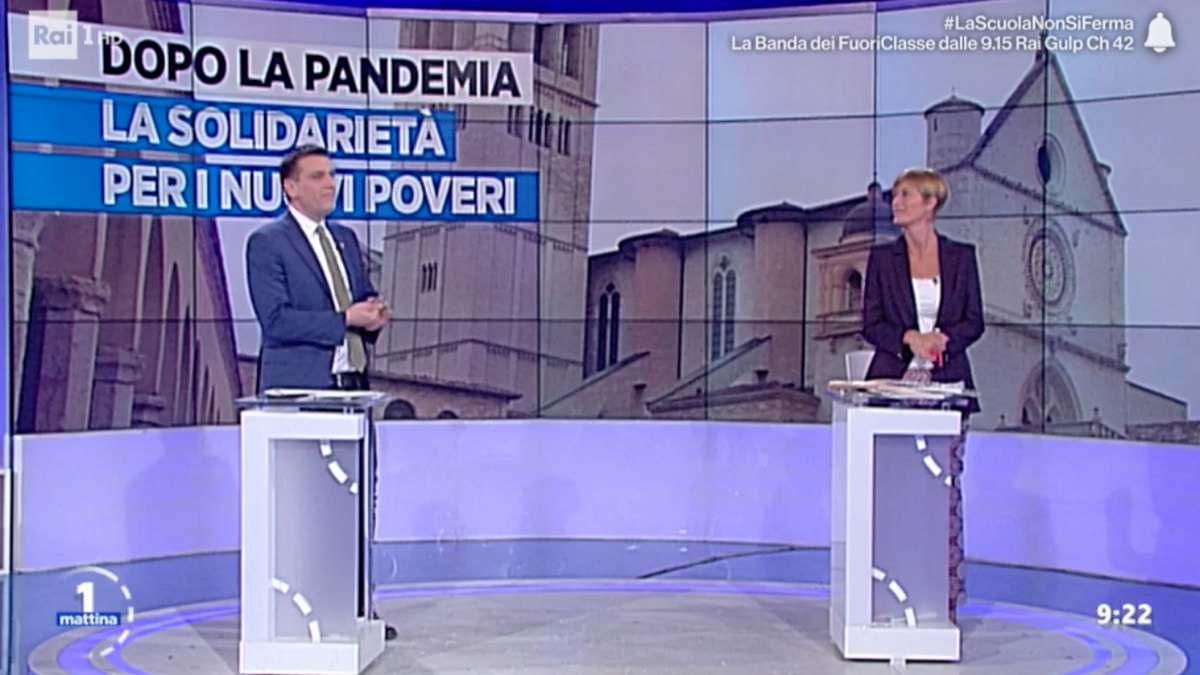 Foto Valentina Bisti interrompe Roberto Poletti