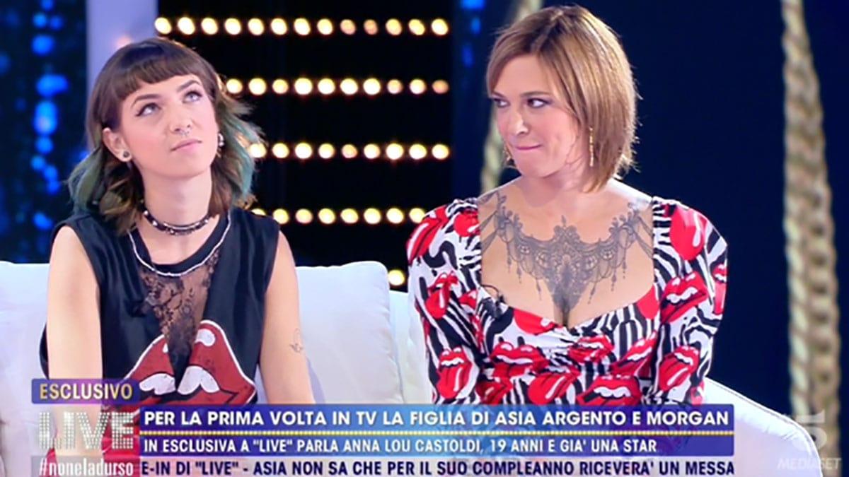 foto Asia Argento e Anna Lou Castoldi a Live-Non è la D'Urso