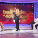"""Elisa Isoardi al telefono a Domenica In. Lucarelli ironizza: """"Sei sola?"""""""