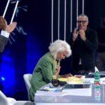 Tale e Quale: Loretta Goggi sfiora il pianto per una frase di Carlo Conti