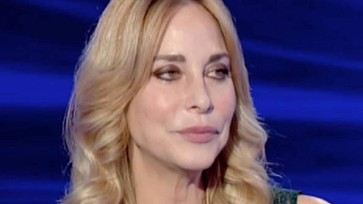 Stefania Orlando massacrata in diretta | Nessuna pietà prima dell'entrata al GF Vip