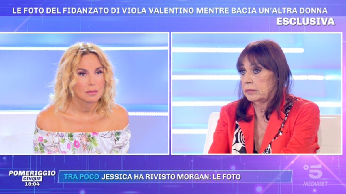 Foto Viola Valentino tradita Pomeriggio 5