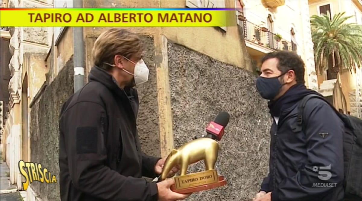 Foto Alberto Matano Tapiro Striscia La Notizia