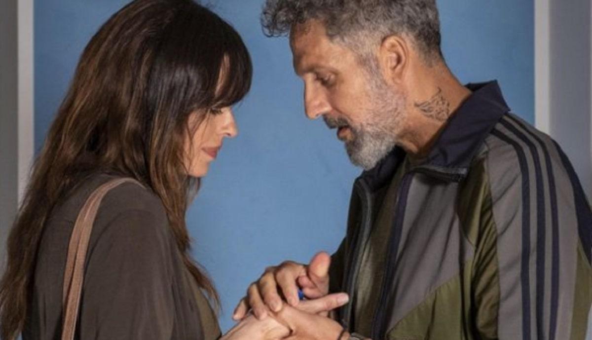 Foto Beppe Fiorello e Claudia Pandolfi Gli Orologi Del Diavolo