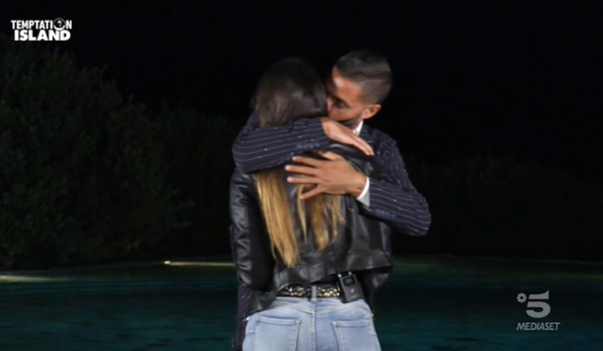 Foto Alberto e la Single Nunzia Temptation Island