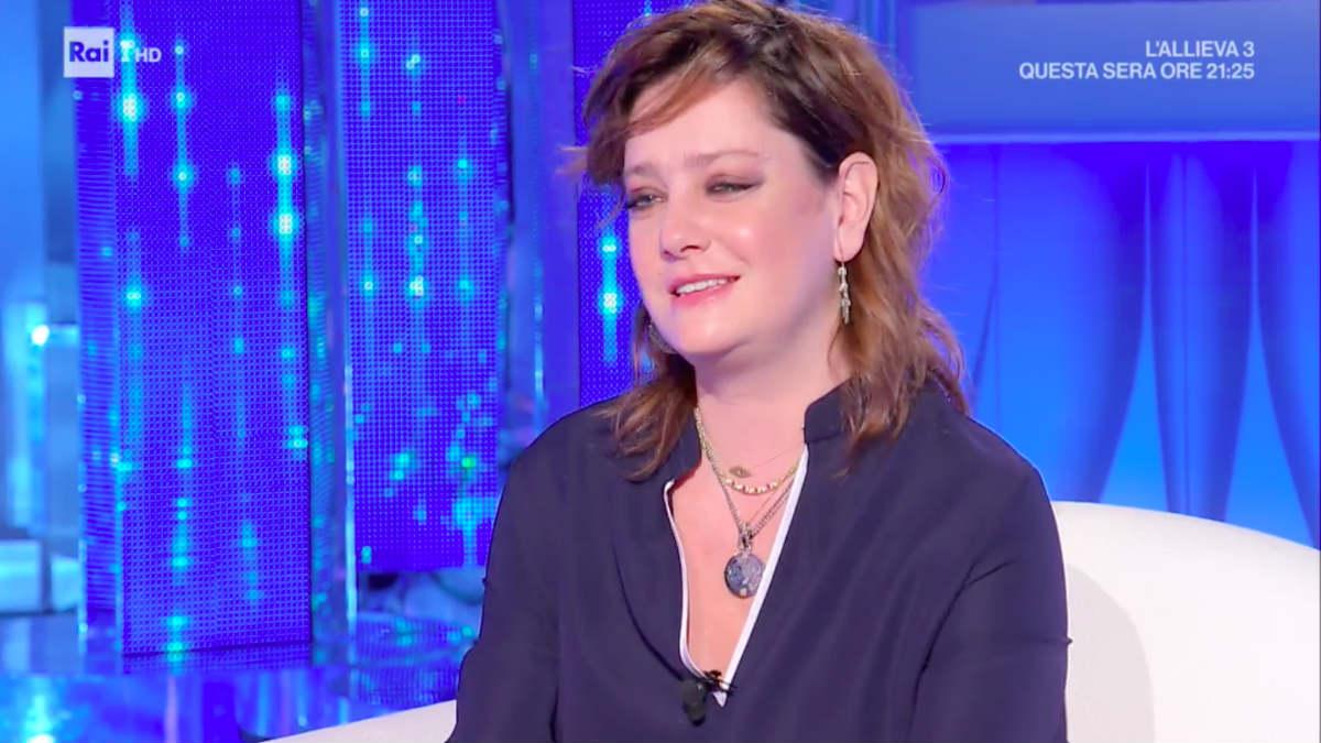 Giovanna Mezzogiorno a Domenica IN occhi lucidi per l'incontro con Mara Venier