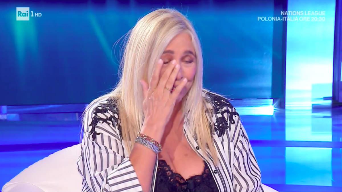 doto Mara Venier piange domenica in Maria De Filippi