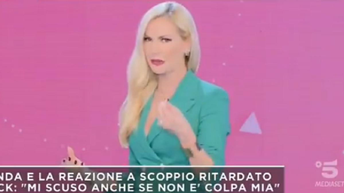 foto Mattino 5 Federica Panicucci contro Balotelli