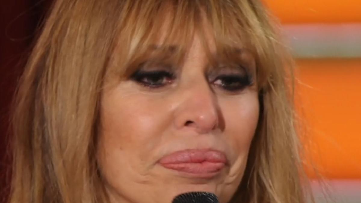 foto Alessandra Mussolini piange