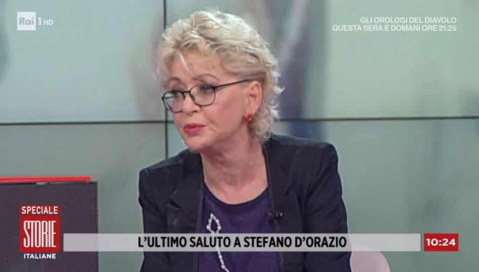 foto di Enrica Bonaccorti turbata a Storie Italiane