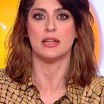 """Elisa Isoardi finita dalla tv al web? Collega: """"Non c'è niente di male"""""""