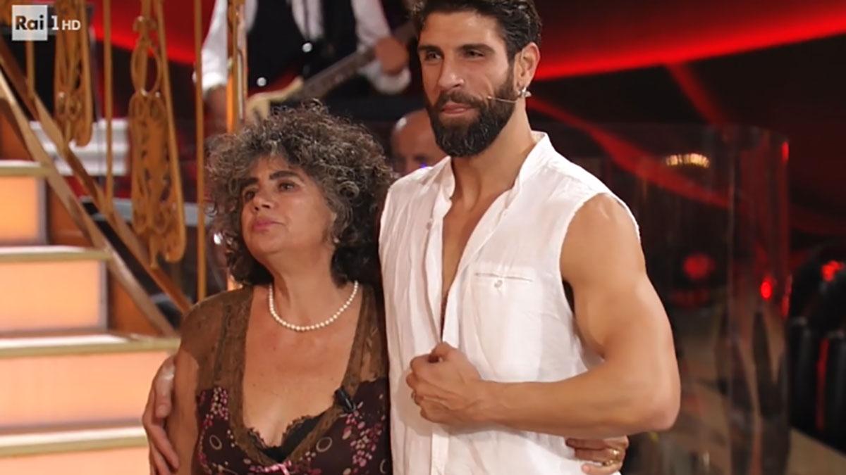 foto Ballando con le stelle Gilles Rocca e madre