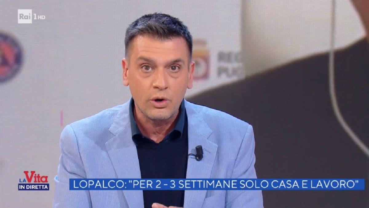 foto di Roberto Poletti durante uno sfogo a La vita in diretta