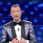 """Sanremo 2021, problemi con l'organizzazione. Costanzo: """"Non va cancellato"""""""