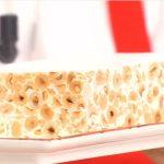 Ricetta È sempre mezzogiorno: torrone morbido di nocciole e miele di cardo