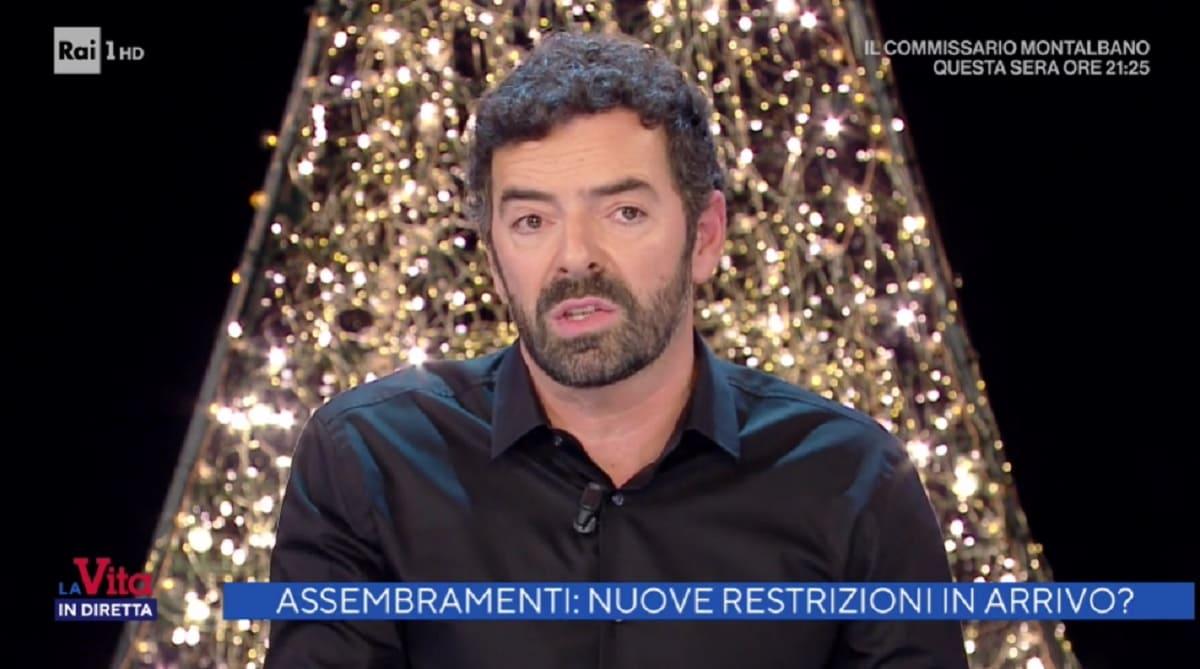 foto di Alberto Matano a La vita in diretta del 15 dicembre
