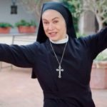 """Che Dio ci aiuti, Elena Sofia Ricci stremata: """"Stiamo ancora girando"""""""