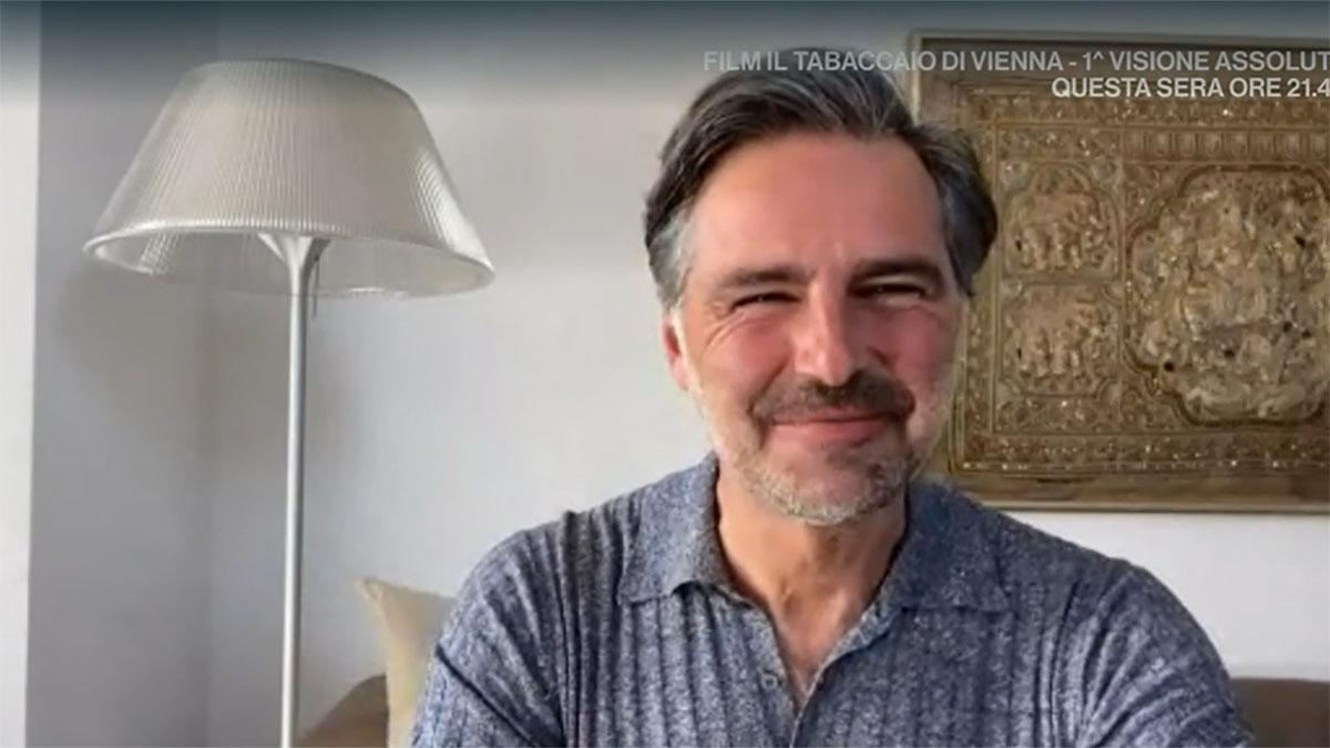 foto Beppe Convertini a Tv Talk