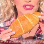 È sempre mezzogiorno, ricetta dolce: cornetti di pane di Fulvio Marino