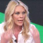 """Eleonora Daniele si arrabbia a Storie Italiane: """"Non è più ammissibile!"""""""
