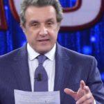 """Flavio Insinna fa un appello a un detenuto a L'Eredità: """"Si può ripartire"""""""