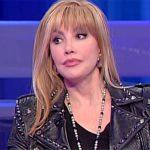 """Il cantante mascherato, Milly Carlucci dalla Fialdini: """"C'è una sorpresa"""""""