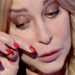 """Grande Fratello Vip, Stefania Orlando piange per il cane: """"Non ci vede"""